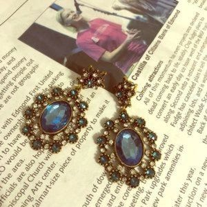 EUC $64 BaubleBar Statement Earrings Antique Gold